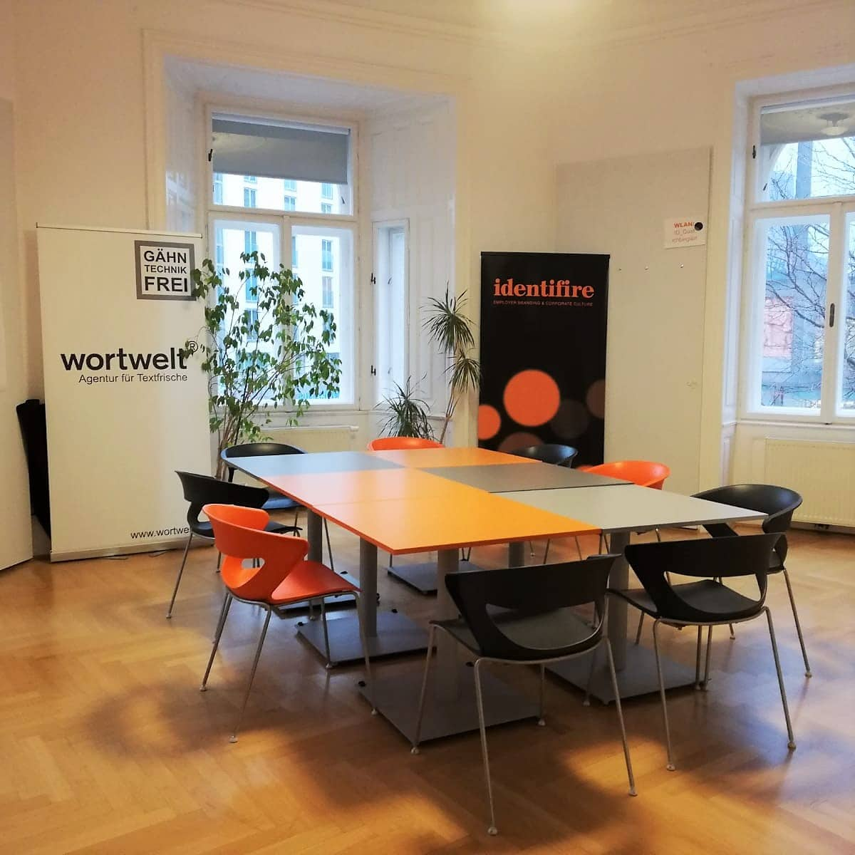 Identifire Büro Wien Mariahilferstraße Meetingraum Seminarraum